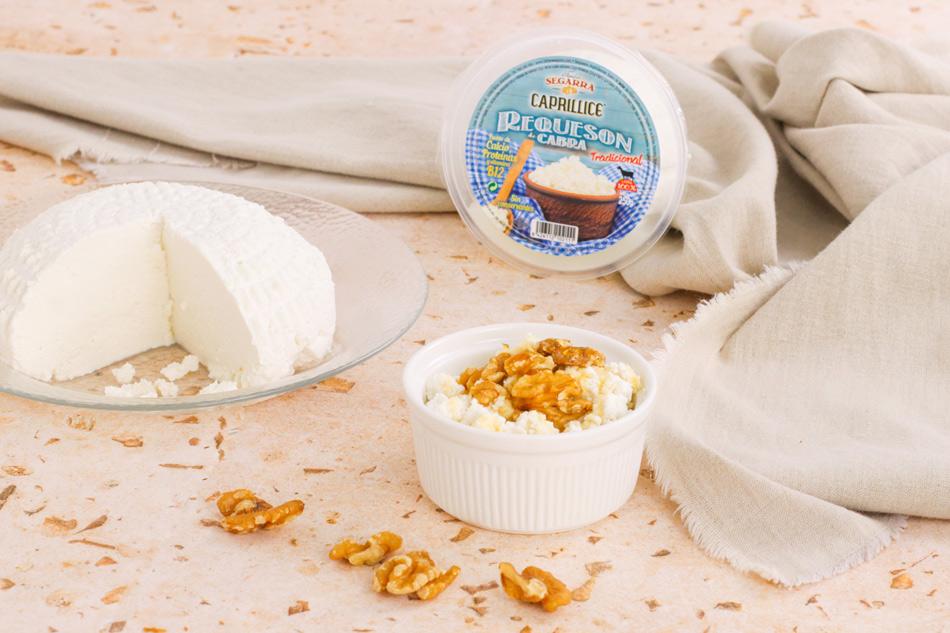 Receta rápida, sana y nutritiva: requesón con nueces y miel.