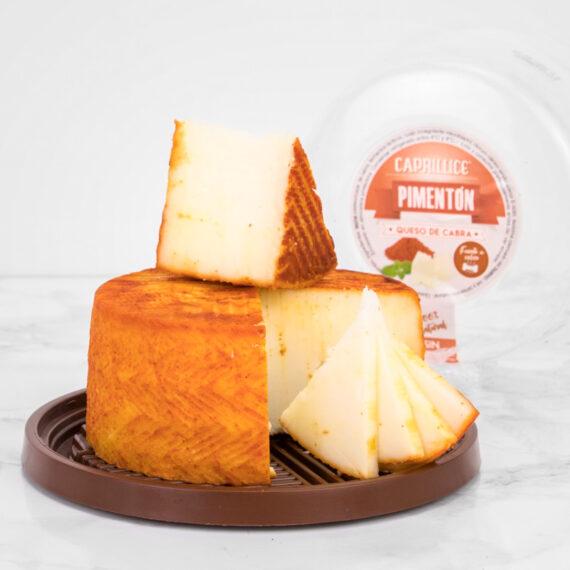 Queso al pimentón de cabra, uno de nuestros queso con un sabor muy especial.