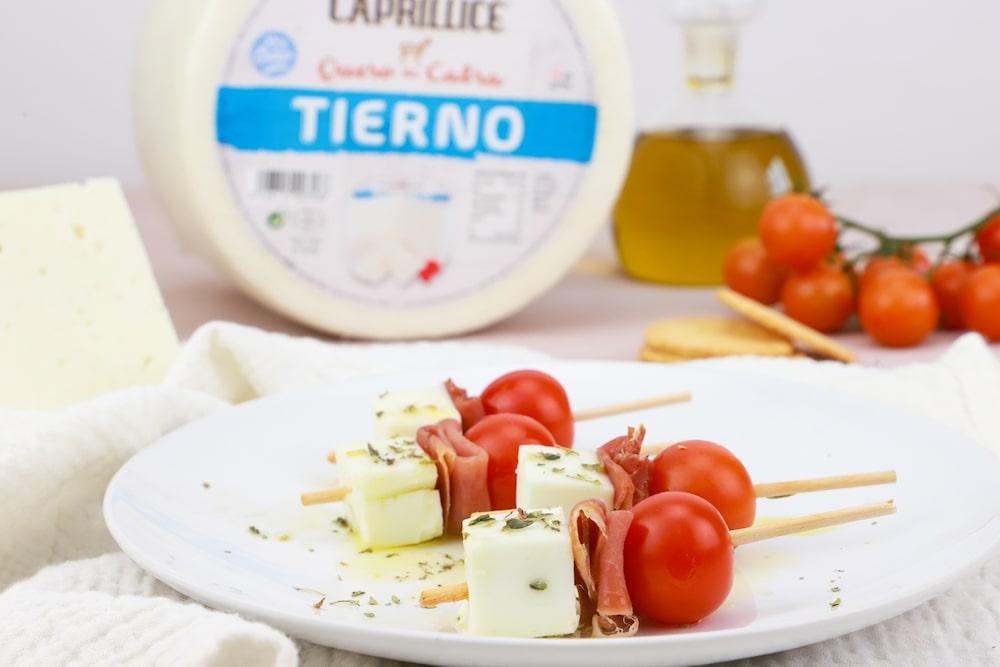 brocheta de queso tierno